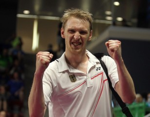 Li-Ning BWF World Championships 2014 – Day 1: Chong Wei Cruises; Domke Delight